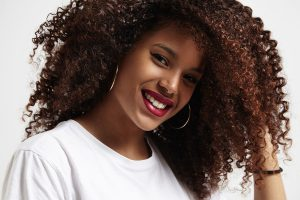 how to retain moisture in natural hair