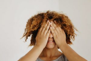 how to prevent hair products from flaking in your natural hair